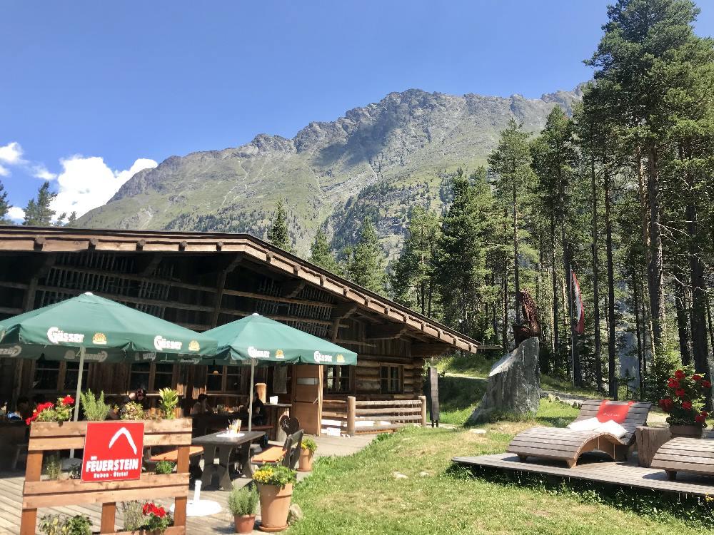 Die gemütliche Feuersteinhütte im Ötztal, Tirol
